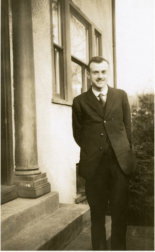 paul dirac in front of house (madison)