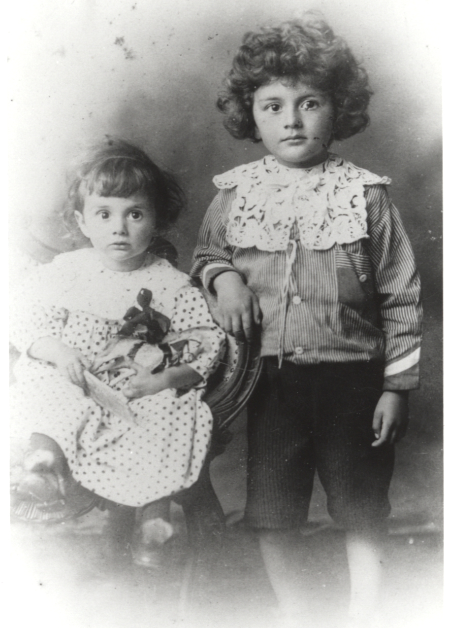 Formal portrait of Paul and Felix Dirac as children.